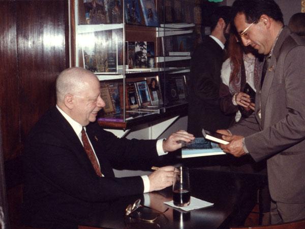 Firma-libro-Tebas